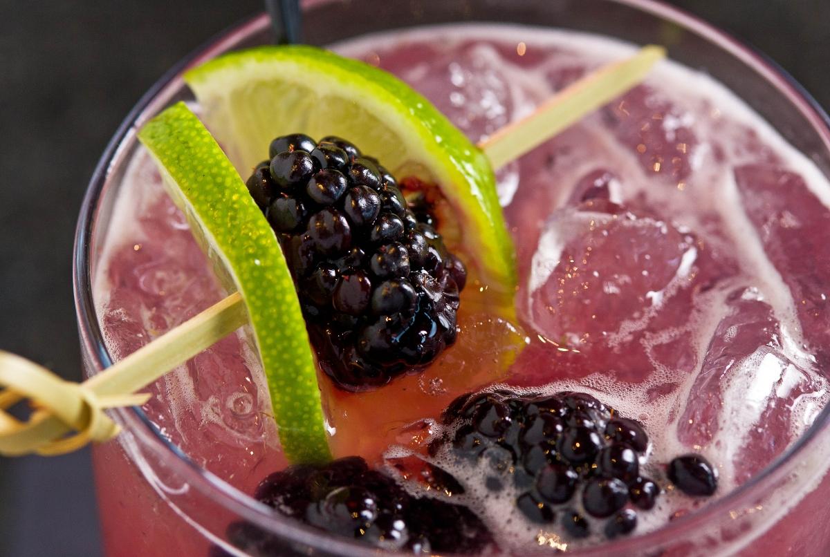 artisan cocktail bar