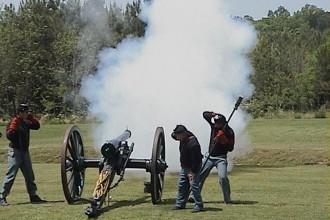 5-Morrisville_Artillery_Fire_Reenactment