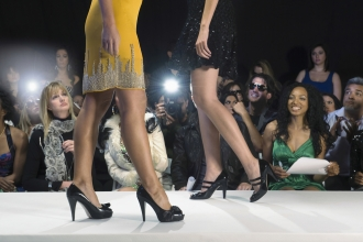 Two fall fashion shows offer the chance for give-back fun.