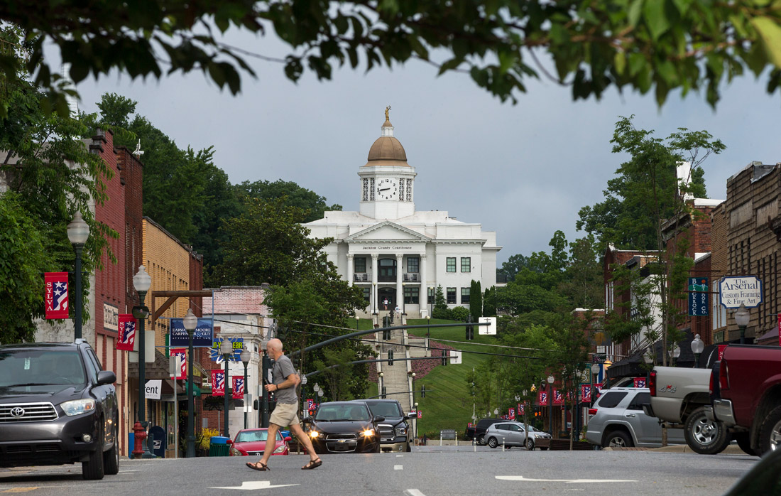 Sylva is known for its eclectic restaurants, breweries, shops and the historic Jackson County Courthouse, which was constructed in 1914 on a hill at the end of Main Street. The remodeled building now serves as the county's public library complex. Visitors can climb the 107 steps to the front entrance or drive to the top in order to see the spectacular views of the surrounding mountains.